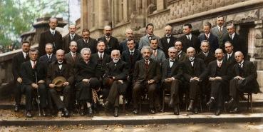 Madame Curie sola entre hombres